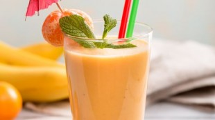 Smoothie with mandarins
